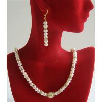 Bridal Jewelry - Fine Quality Freshwater Pearls Potato Beads Necklace Set w/ Gold Ron